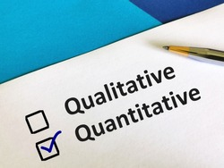 One person is answering question. He is choosing between qualitative and quantitative.