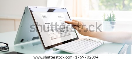 Online Digital E Invoice And Statements Software Stockfoto ©