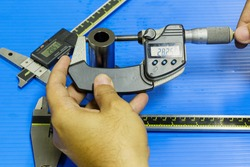 operator prepare measuring equipment to inspection mold and die