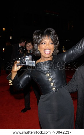 OPRAH WINFREY at the 30th Annual People's Choice Awards in Pasadena, CA. January 11, 2004  Paul Smith / Featureflash