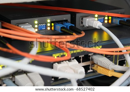 Optical and ethernet connections plugged.