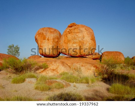 Orange stones - Devil´s Marbles
