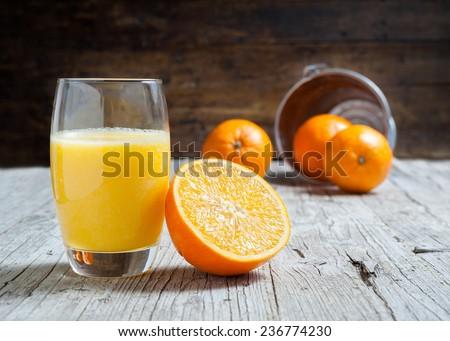 Oranges isolated cut set on wooden base
