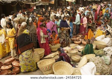 ORCHHA, INDIA - JAN 14: Crowded market during a Hindu festival on January 14, 2009 at Orchha, Madhya Pradesh, India.