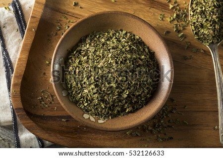 Organic Dry Mint Spice in a Bowl