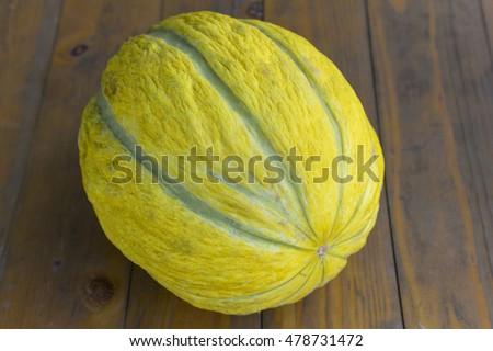 organic melon on a wooden table Stok fotoğraf ©
