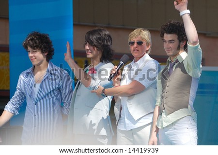 ORLANDO, FL - MARCH 28; Ellen Degeneres and Jonas Brothers during the taping of her show at Universal Studios CityWalk. March 28, 2008