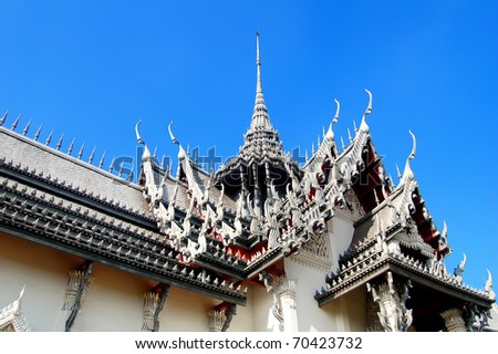 ornamental roof of Sanphet Prasat Palace