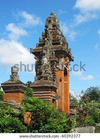 Ornate Balinese temple doorway (Royal family temple near Mengwi)
