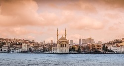 Ortakoy Mosque (Mosque of Sultan Abdulmecid) on the Bosphorus in Istanbul, Turkey.