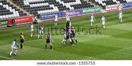 Ospreys vs Bath - rugby union, Line-out