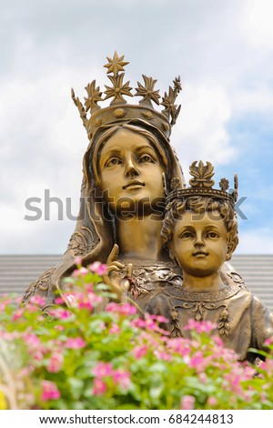 Our lady of Mt. Carmel with child Jesus statue