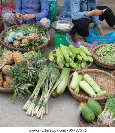 Outdoor markets in the streets of Hoi An, Vietnam