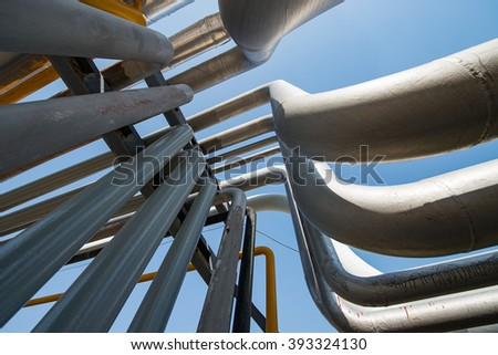 Outdoor pipelines in the refinery