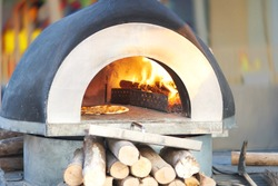Oven for bake or cook pizza ,outdoors