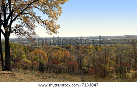 Overlook of the illinois river valley from pere marquette state park