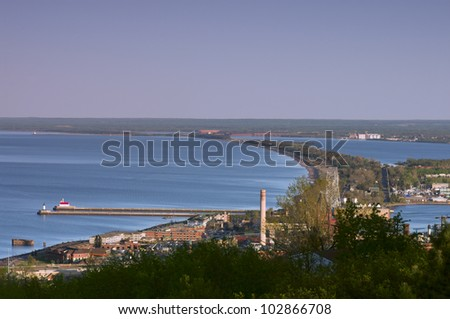 Overview of Lake Superior and Superior Bay in Duluth Minnesota with surrounding inlets and parks