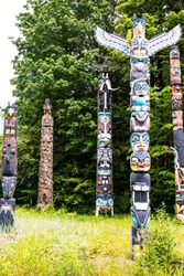 Pacific Northwest First Nations heraldry totems