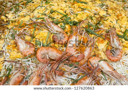 Pad Thai with Shrimp in tray