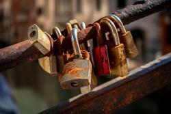 padlocks, closed, texture, rust, padlocks on the bridge