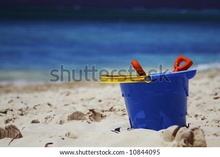 acrylic beach pail