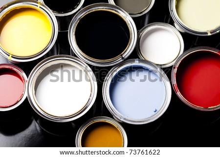 Paint cans, Background color