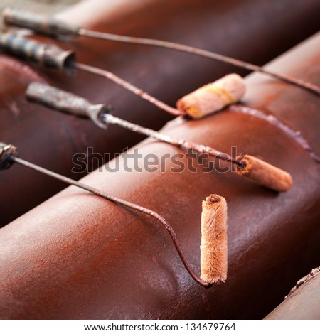 Paint roll tool line up on the big iron pipes
