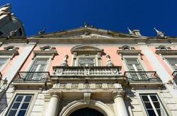 Palacio Foz is a magnificent 18th century palace built by Italian architecture at Restauradores Square (Portuguese: Praca dos Restauradores), Lisbon, Portugal.