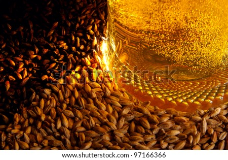Pale malt, crystal malt, chocolate malt and beer