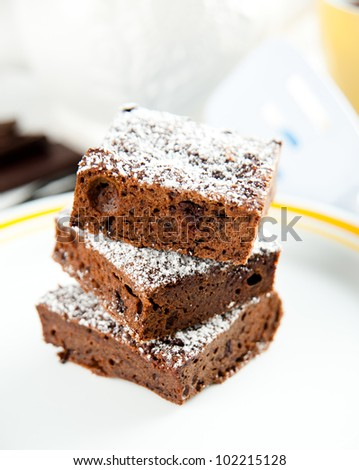 Paleo Style Brownies with Dark Chocolate and Gluten Free