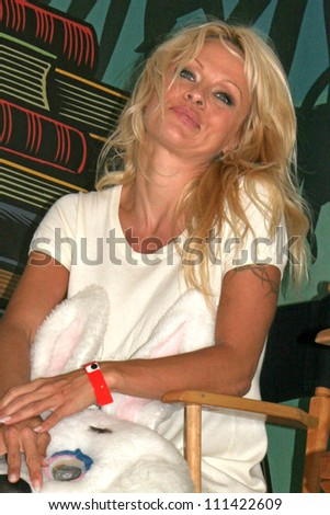 """Pamela Anderson at the L.A. Times Festival of Books, promoting """"Committed: A Rabble Rouser's Memoir,"""" UCLA, Los Angeles, CA 04-28-07"""