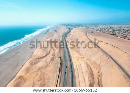 Panamericana road with Pacific ocean, aerial view panamericana in Cañete, Perú. Foto stock ©