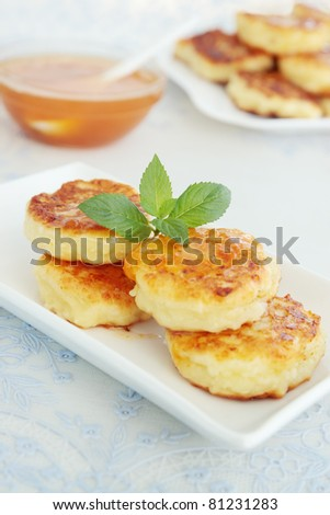Pancakes with the cheese with the apricot jam