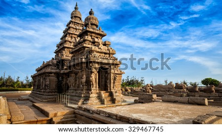 Panorama of famous Tamil Nadu landmark - Shore temple, world  heritage site in  Mahabalipuram, Tamil Nadu, India Zdjęcia stock ©