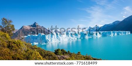 Panorama of glacier Perito Moreno in Patagonia, South America, Autumn Foto stock ©