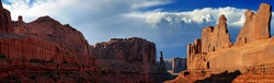 Panorama of rock formations of the Courthouse Towers, Arches-Nationalpark, near Moab, Utah, United States
