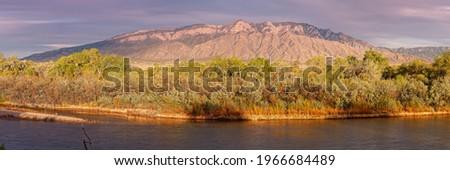 Panorama of Sandia Mountains and Rio Grande Bosque from Rio Rancho Bosque Preserve Albuquerque  Foto stock ©