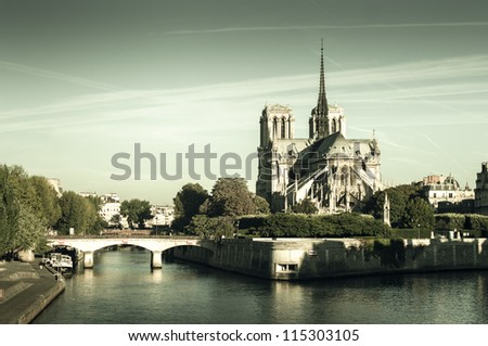 panorama of the notre dame...