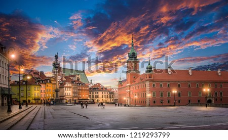 Panorama of the old town in Warsaw (Warszawa), Poland. The Royal Castle and Sigismund's Column called Kolumna Zygmunta at sunset. Historic Center is UNESCO World Heritage Site. #1219293799