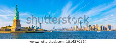 Panorama - Statue of Liberty and Manhattan Cityscape Background Photo - New York - USA - Sunset Light Panoramic Photos View