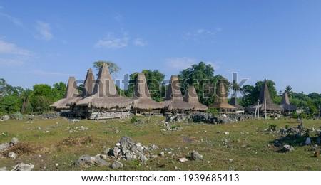 Panorama view of rural Tosi traditional village with spectacular houses, Kodi, West Sumba island, East Nusa Tenggara, Indonesia Zdjęcia stock ©