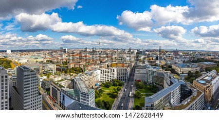 Panoramic aerial view of Berlin city center, Germany. Skyline view of Berlin downtown from skyscraper on Potsdamer Platz Stock foto ©