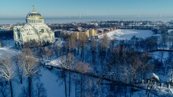 Panoramic aerial view of the Naval Cathedral of St. Nicholas the Wonderworker in Kronstadt. Anchor area. Kotlin