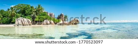 Panoramic view of a tropical beach on La Digue, Seychelles Photo stock ©