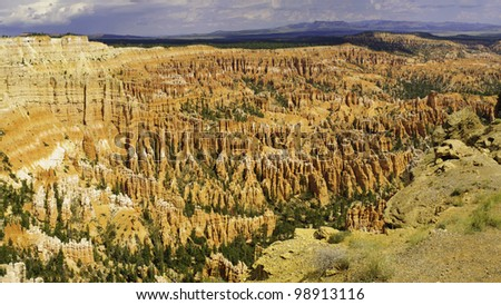 Panoramic view of Bryce Canyon's amphitheater