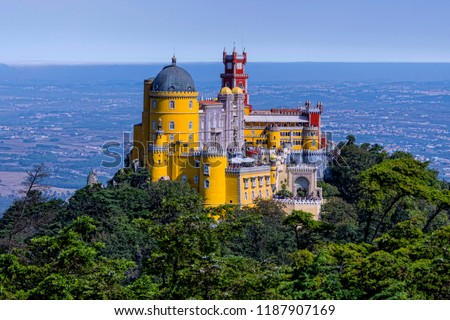 Panoramic view of the Pena Palace.Sintra, Portugal Foto stock ©