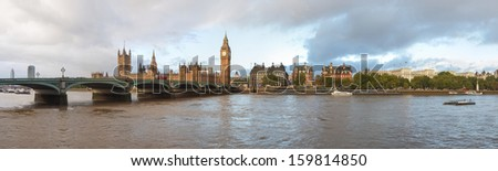 Panoramic view of the River Thames, Houses of Parliament and the Big Ben, Westminster Bridge in London