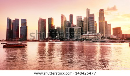 Panramic view of Singapore downtown at a beautiful sunset