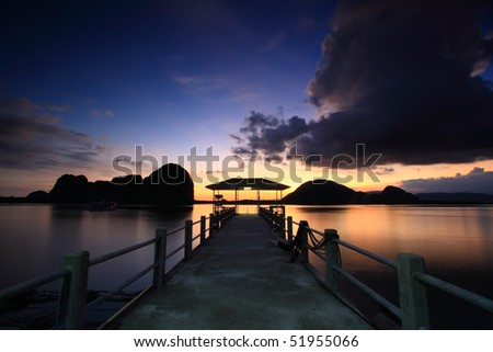 Panyee Island is small island.The mountain is beautiful, exotic mangrove forests. There are approximately 2,000 people 400 households the most people respect Islam trade professionals together