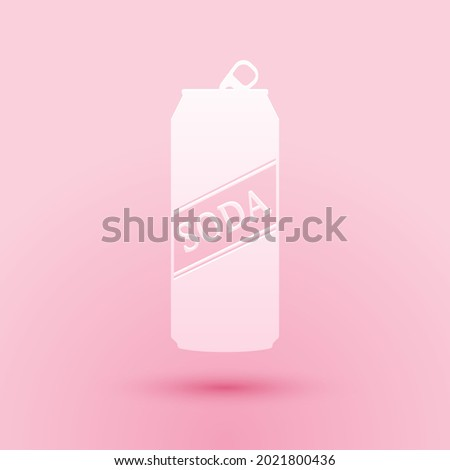 Paper cut Soda can icon isolated on pink background. Paper art style. . Foto stock ©